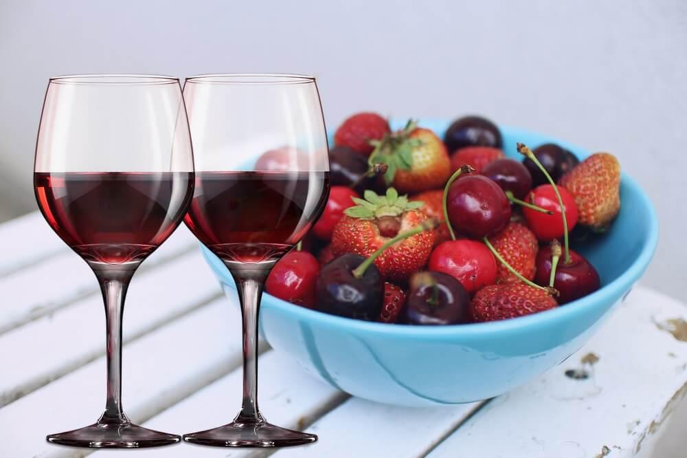 Наливка, вино из ягод
