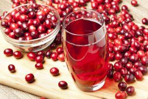 Настойка, вино из брусники