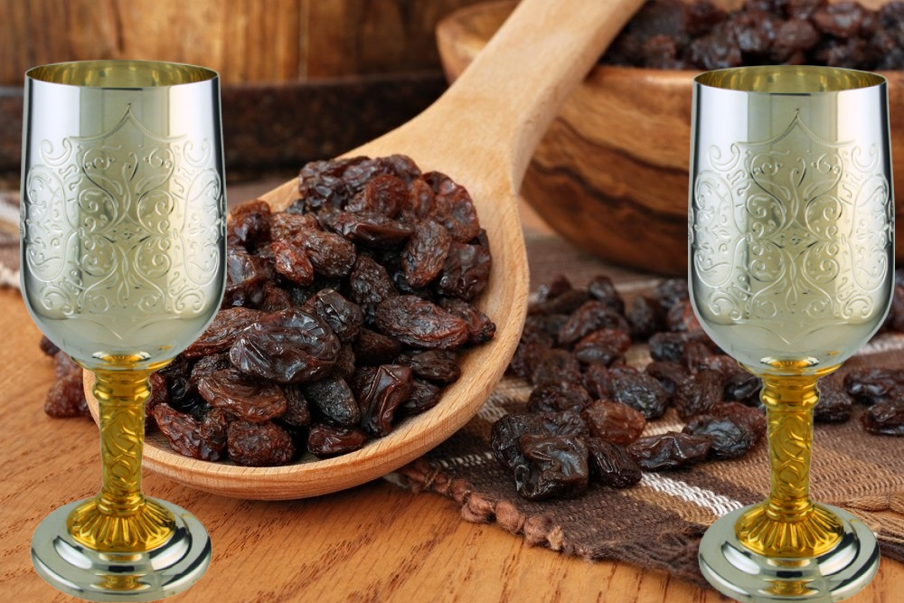 Настойка, вино из изюма