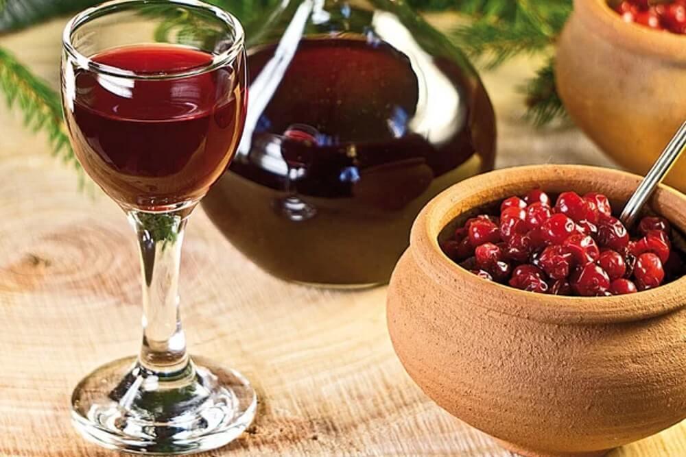 Настойка, вино из клюквы