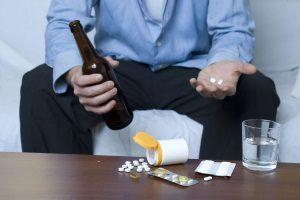 Можно ли совместить алкоголь и антибиотики без последствий