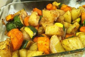 Картофель с овощами
