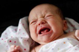 Плачущий грудничок