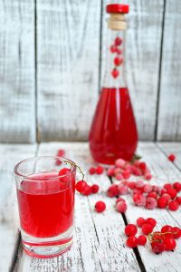 Из красных или белых ягод